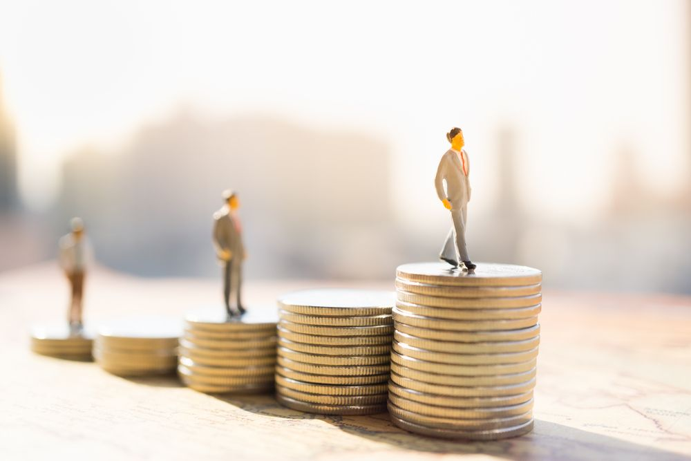 Implications of the recent salary jump for Toronto law firm